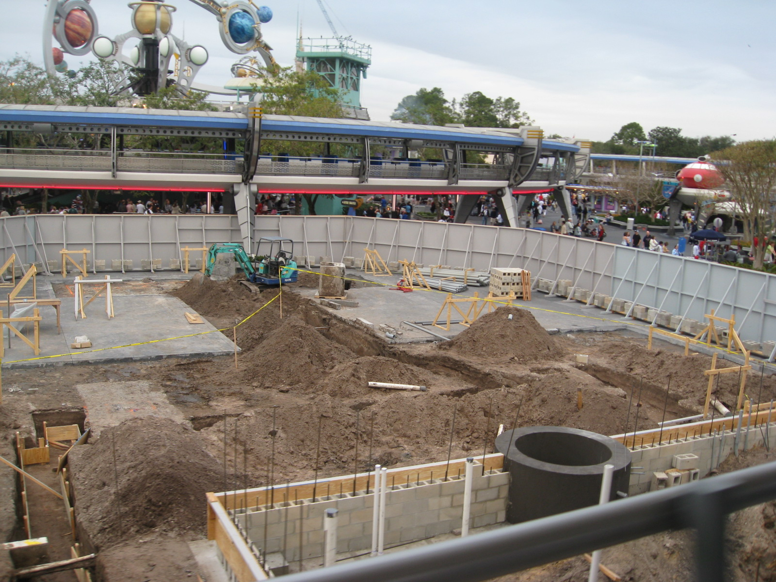 Tomorrowland stage construction