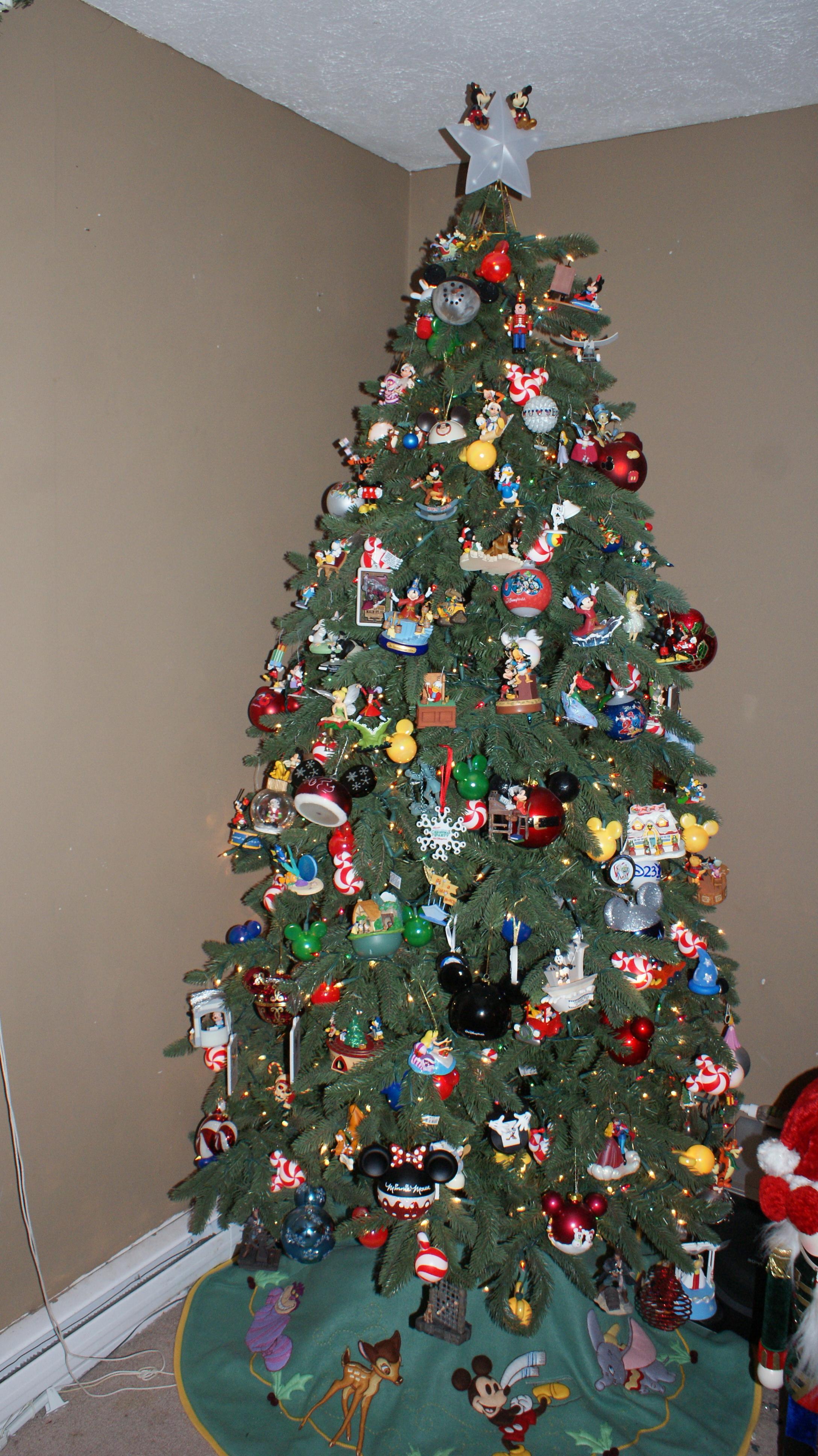 """Our Christmas Tree """"Went Disney"""": VOTE NOW!WDW Radio"""
