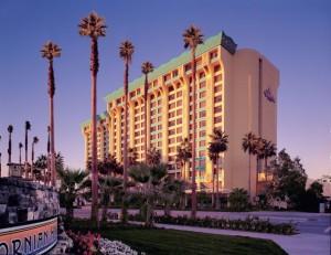 Disneys-Paradise-Pier-Hotel-640x493